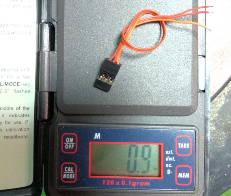 041 Por curiosidad peso el cable del servo